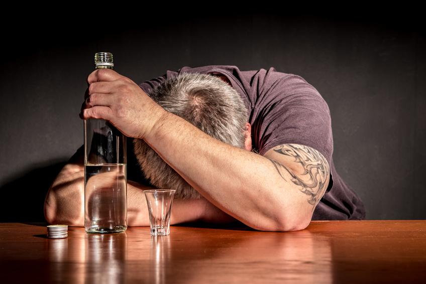 Neue Studie untersucht frühe Form der Demenz: Alkoholmissbrauch ist das größte Demenzrisiko